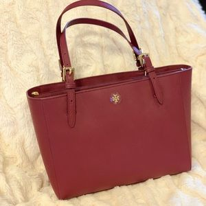 fdf607168c74 Tory Burch Bags - 🔥NWT🔥TORY BURCH EMERSON SMALL BUCKLE TOTE